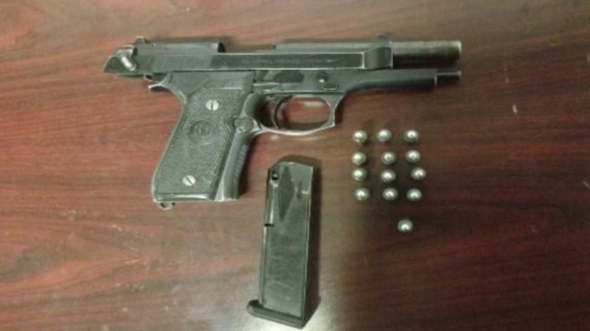 Captura grupo de coordinación a tres sujetos armados y con droga en Tijuana