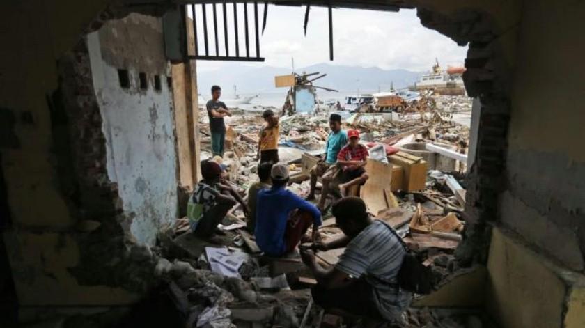 Ciudades devastadas en Indonesia tienen la esperanza de que siga llegando apoyo