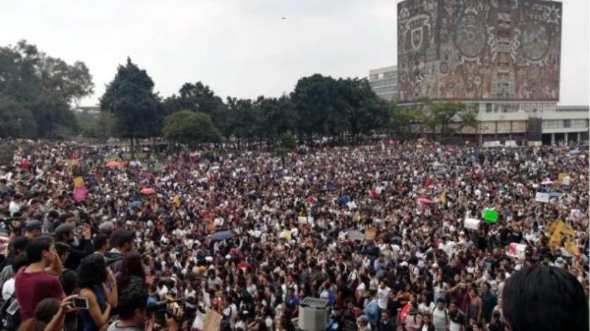 Exigen salida de 'porros' en UNAM