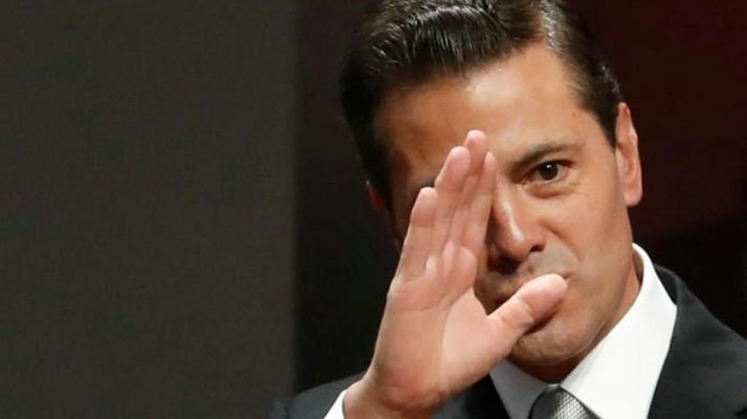 Ven a Enrique Peña Nieto con una misteriosa mujer rubia y desata sospechas en redes