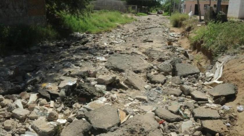 ¡Destruidas!, las calles de la colonia Solidaridad