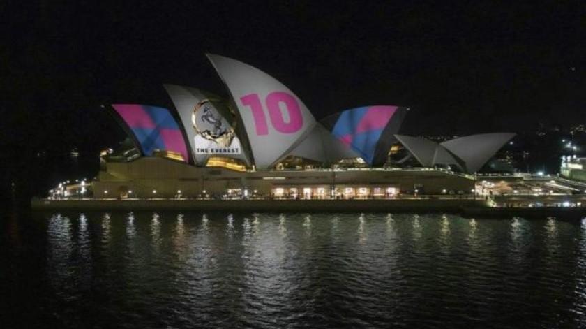 Por qué causó polémica proyectar imágenes de una carrera de caballos en la Ópera de Sydney