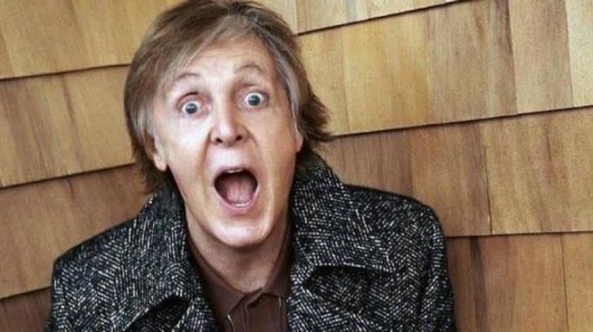 Confunde Paul McCartney bandera de Texas con la de Chile
