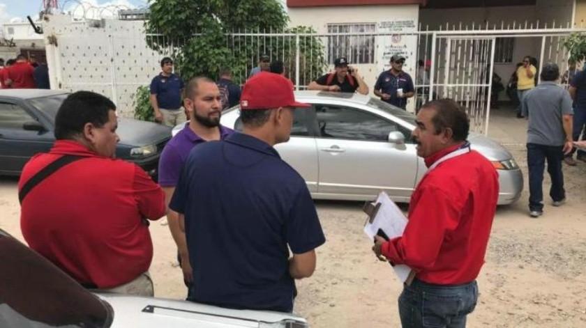 Choferes no llegan a acuerdo con autoridades; sigue amenaza de paro de transporte