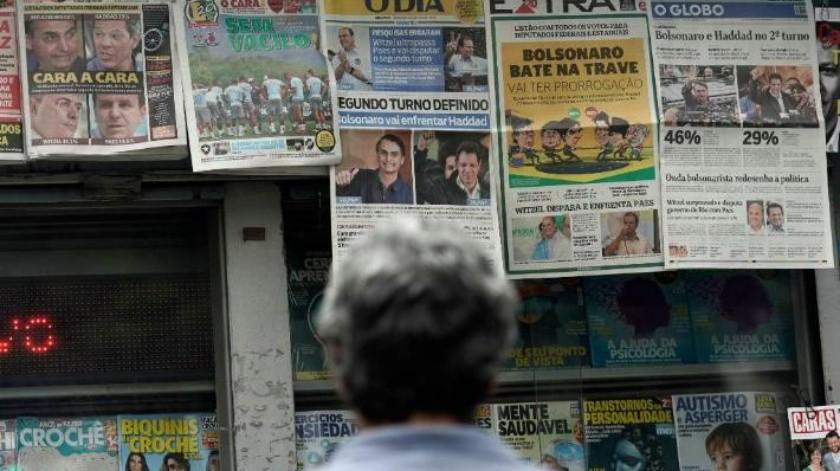 """""""Un milagro sería que Bolsonaro vea la luz"""": Brasileños parecen decididos a entregarle la presidencia al ex capitán del ejército"""