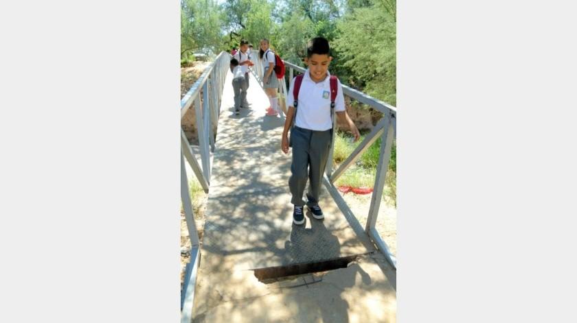 Claman por nuevo puente en Antorcha Campesina