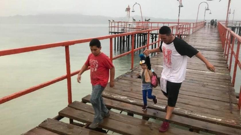 "Autoridades de Bahía de Kino se preparan para recibir a ""Sergio""; reportan oleaje moderado"