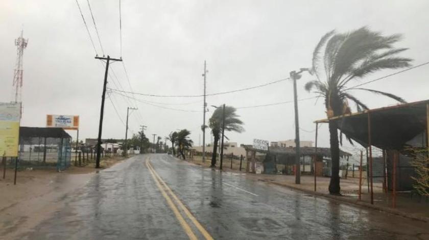 """Por """"Sergio"""", autoridades de Bahía de Kino piden a los ciudadanos no salir de sus viviendas si no es necesario"""