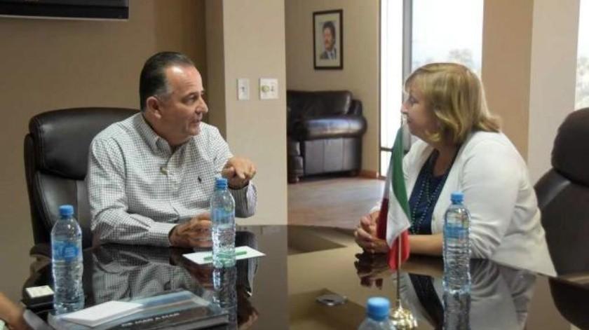 Sostiene cónsul general de EU en Tijuana primer encuentro con alcalde Marco Novelo