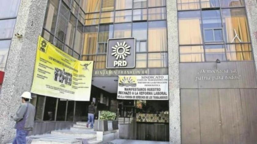 Tras derrota electoral y multas del INE, el PRD liquidará a 200 empleados