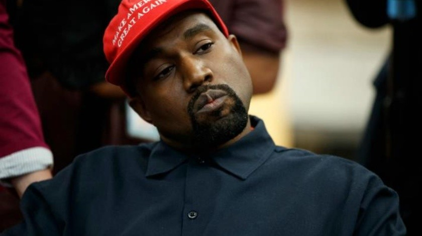 Kanye West se reúne con presidente de Uganda