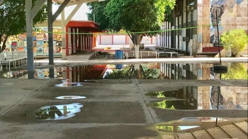 Lluvias inundaron los sistemas eléctricos de la Técnica 11; alumnos permanecen sin clases por trabajos de rehabilitación