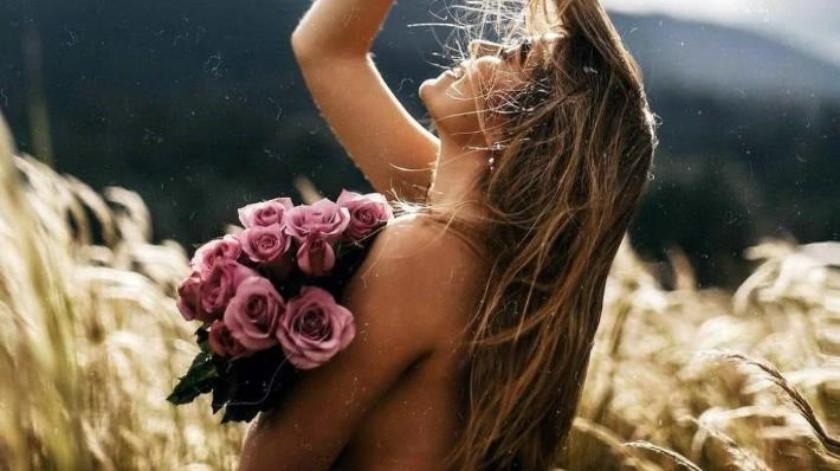 Conmociona Sofía Castro en 'topless'