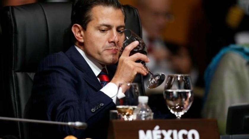 Peña Nieto y Gabinete buscan amparo para blindarse de investigaciones: Reforma