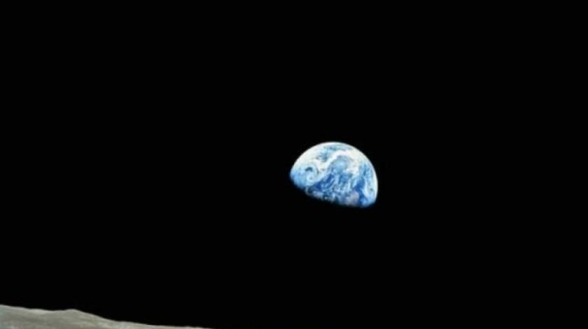"""China va a lanzar una """"luna artificial"""" en 2020"""