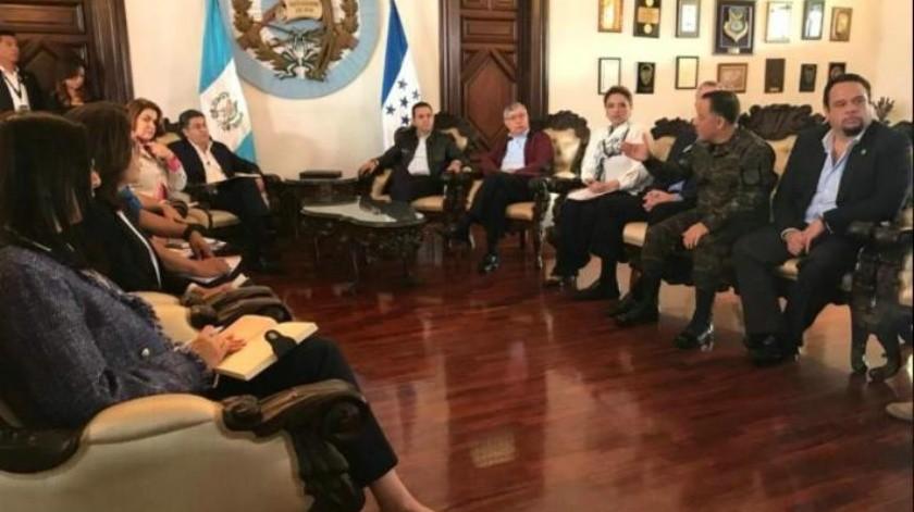 Guatemala y Honduras abordan con México retorno de migrantes