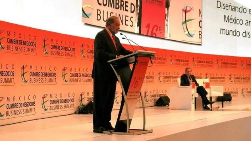 Construcción de aeropuerto debe licitarse para que sea operado por empresas privadas: Carlos Slim