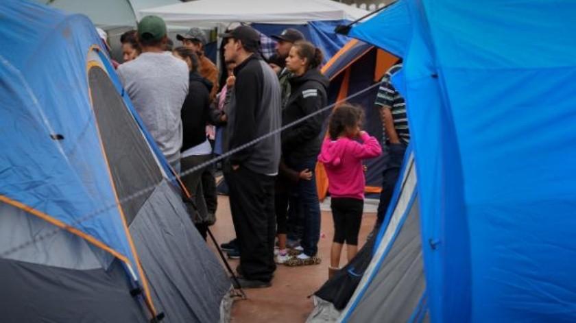 Siguen migrantes llegando a Tijuana en busca de asilo