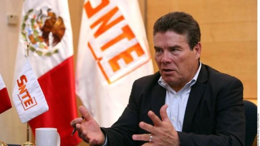 Grupo de maestros denuncian ante la PGR a Juan Díaz de la Torre, líder del SNTE