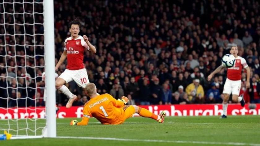 VIDEO: Desde el portero, el golazo con el que Arsenal venció al Leicester City