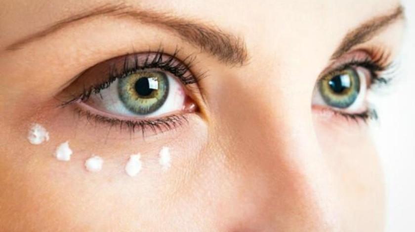 ¿Cómo cuidar el área del contorno de tus ojos?