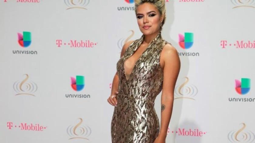 Hará sonar 'su cama' Karol G en los Latin Grammy
