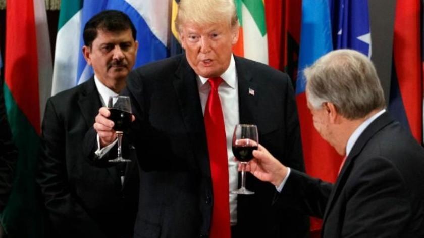 """""""Nunca he visto a una persona delgada bebiendo Coca de dieta"""": Trump brinda con Coca de dieta"""