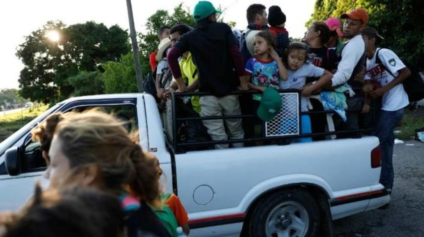 Migrantes llegan a Pijijiapan; enfermedades, miedo y acoso policial merman la caravana