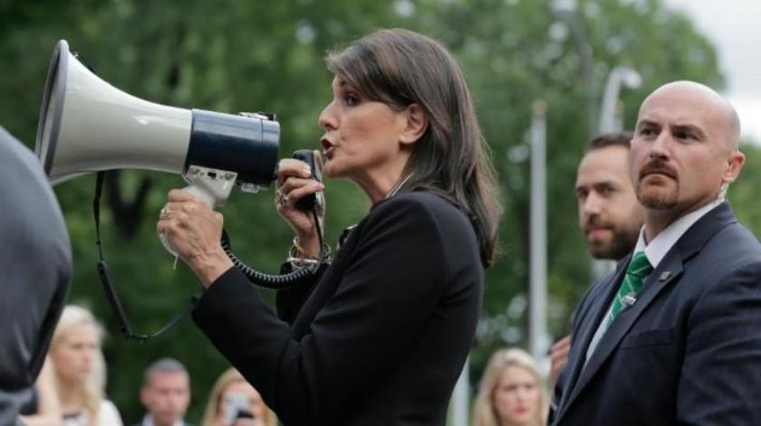 Embajadora de EU ante la ONU apoya a venezolanos en manifestación contra Maduro