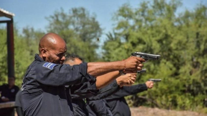Instructores de la Academia de Policía Municipal de Cajeme capacitan con prácticas de tiro