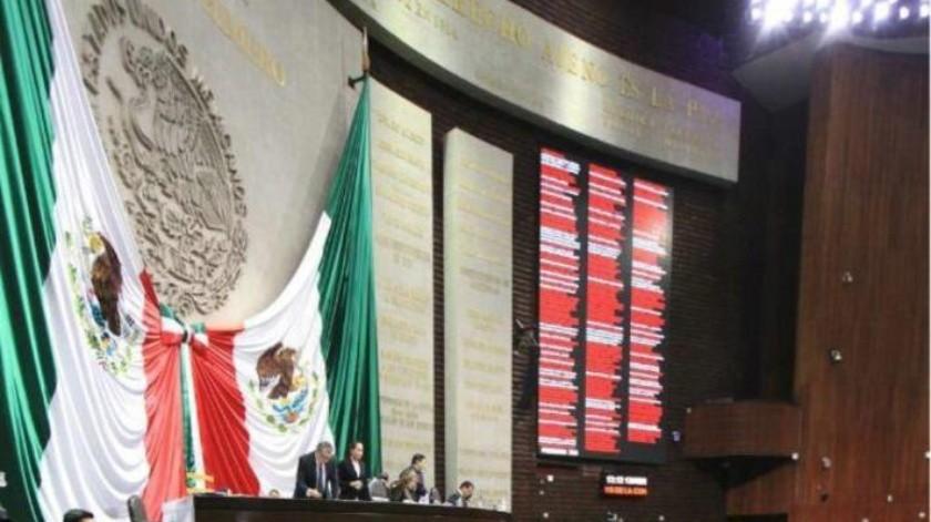 FOTO: Regalan diputados del PRI lo que les sobró en Palacio Legislativo