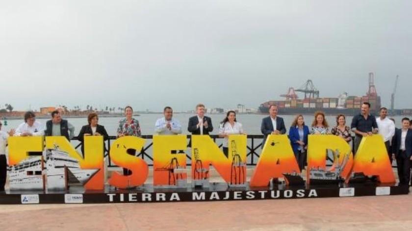 Colocan letrero emblemático 'Ensenada' en la Ventana al Mar