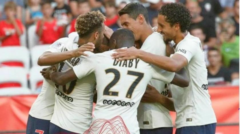 Con golpe en el rostro, Neymar anota dos goles y consigue victoria para PSG
