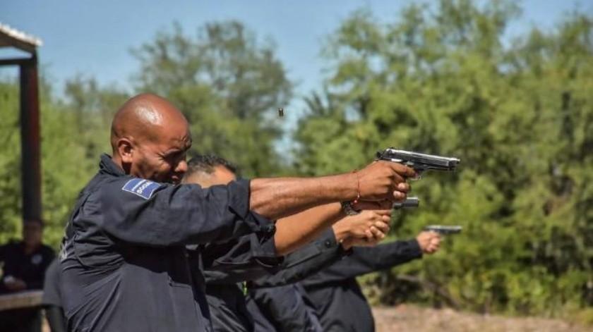 Capacitan a 40 policías de Cajeme