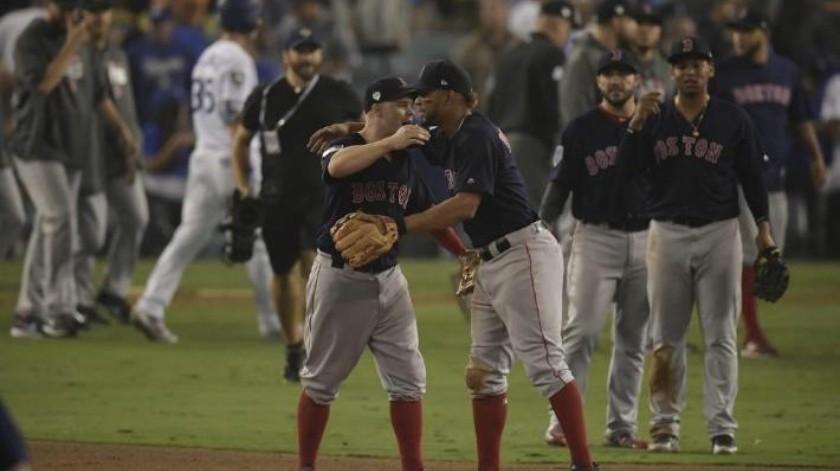 Boston pone contra la pared a Dodgers