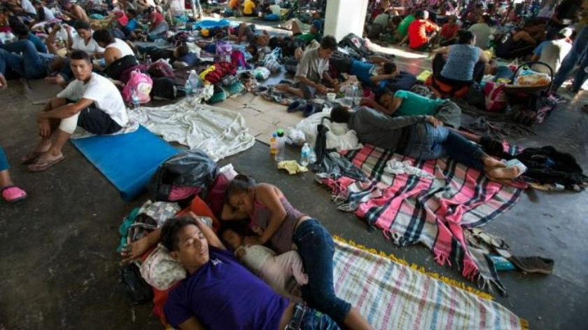 Por inseguridad y salud de niños, caravana migrante cambia de ruta hacia Veracruz