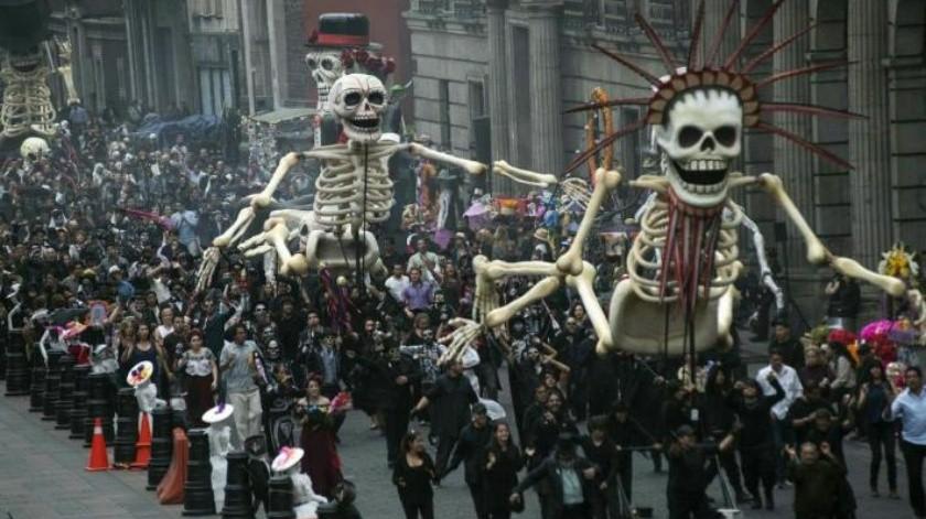 Brinda muestra recorrido por los ritos funerarios a través del mundo