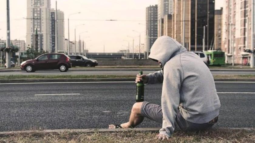 Bajo efectos del alcohol, persona se hiere la frente en vía púbica de Hermosillo