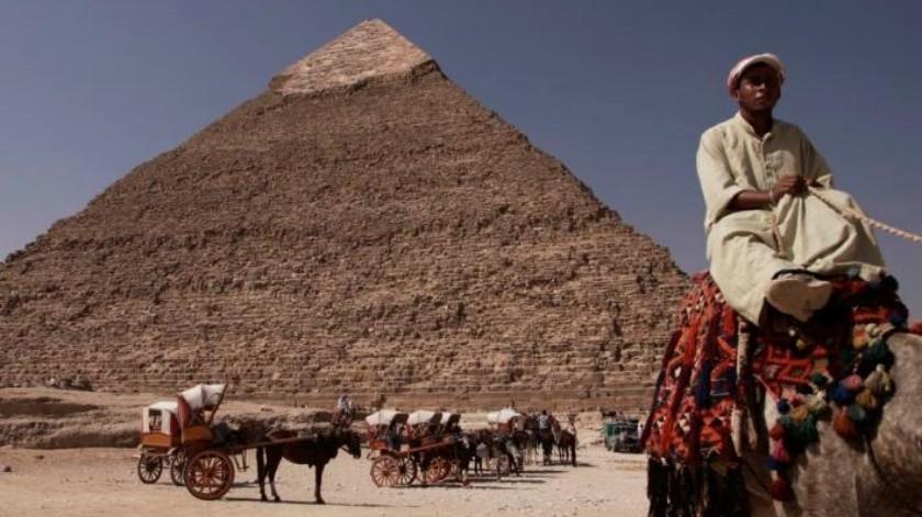 Reabre Egipto pirámide de Guiza tras restauración