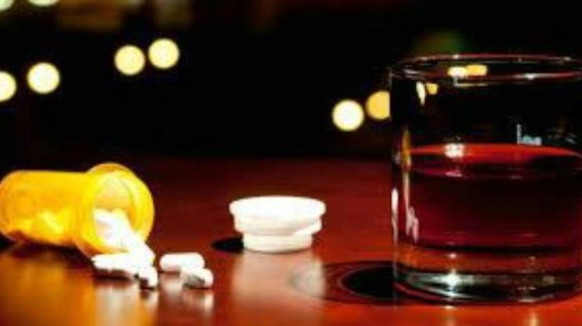 Evita mezclar estos 4 medicamentos con el consumo de alcohol