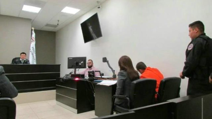 Joven prófugo acude a juzgado