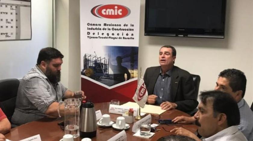 CMIC y Colegio de Valuadores firman convenio de colaboración