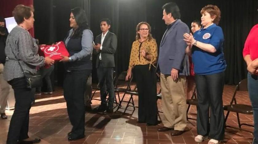 Entregan kits de primeros auxilios a OSC's de Tijuana