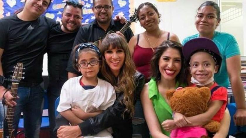 Ha Ash visita el Hospital General de Tijuana