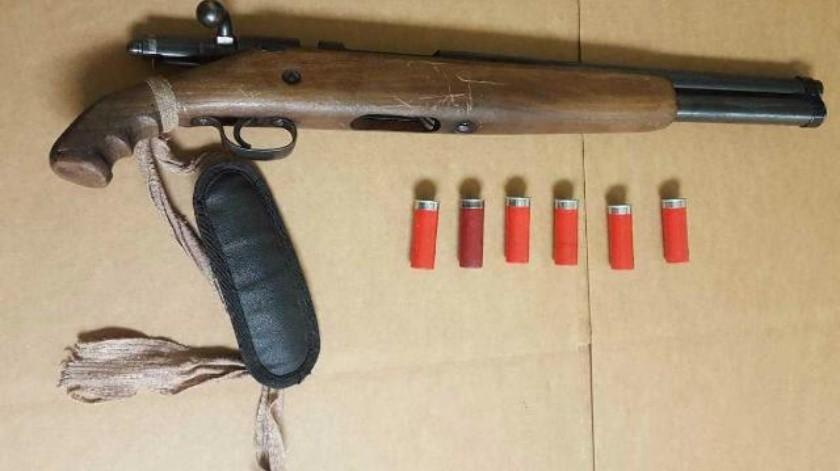 Dos hombres fueron detenidos por posesión de arma de fuego en TIJ