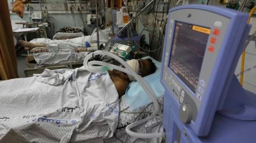¡IMÁGENES FUERTES! Manifestante palestino es impactado por una granada de gas lacrimógeno