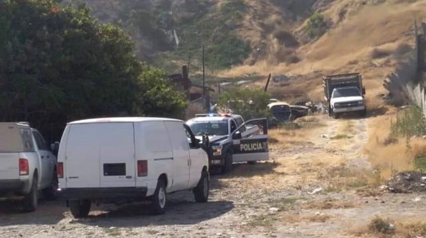 Descubren 2 cadáveres decapitados