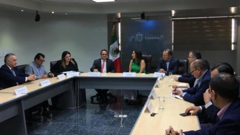 Ayuntamiento sostiene reunión a puerta cerrada con Instituto de Transparencia