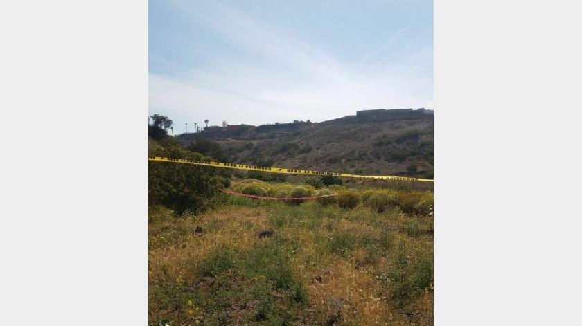 Localizan cadáver de hombre en camino vecinal del poblado de Ojos Negros