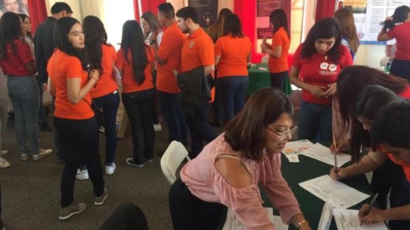 Desincentivan bajos sueldos a egresados de la UABC: Rector